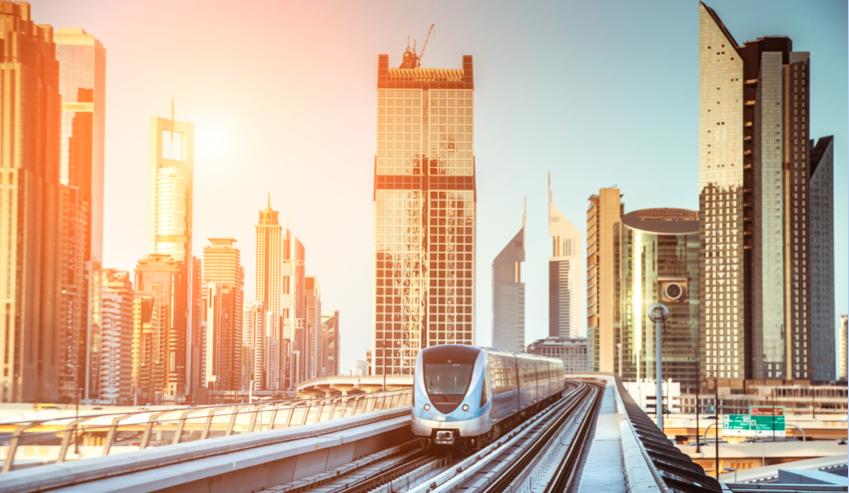 Corretor de imóveis mostre para seus clientes as vantagens de morar perto do metrô